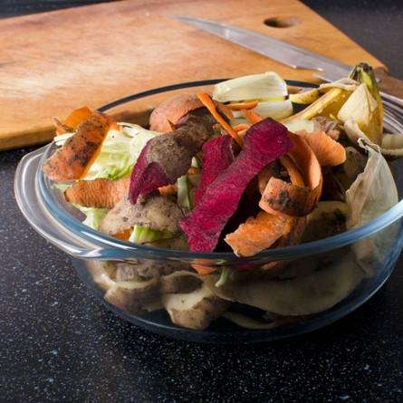 4 ways to make use of Food Scraps