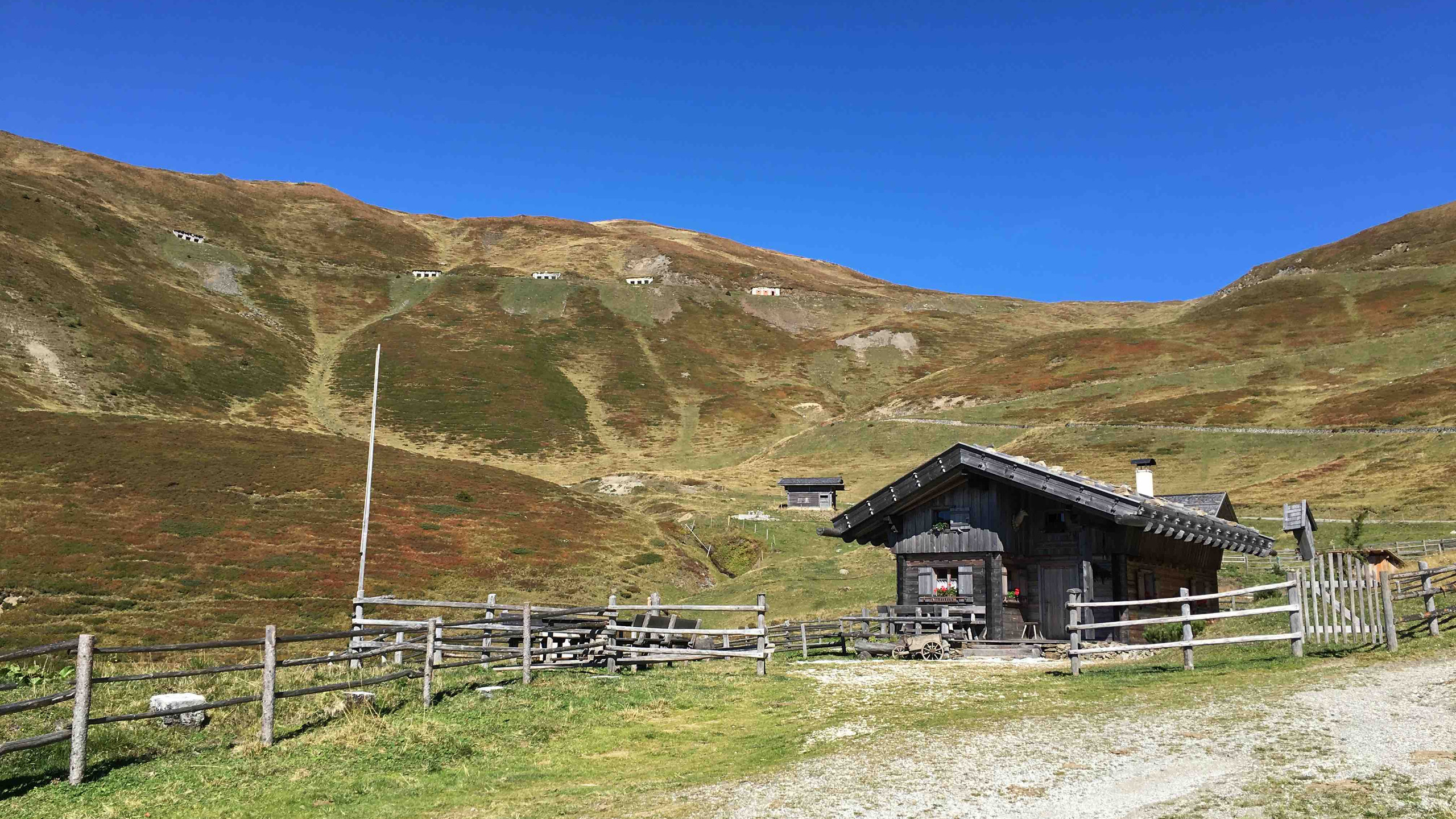 Kleine Huette am Forstweg, Biketour Obernbergtal