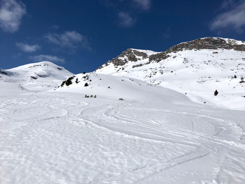 Abfahrtsspuren Muttenkopf, Skitour Obernbergtal