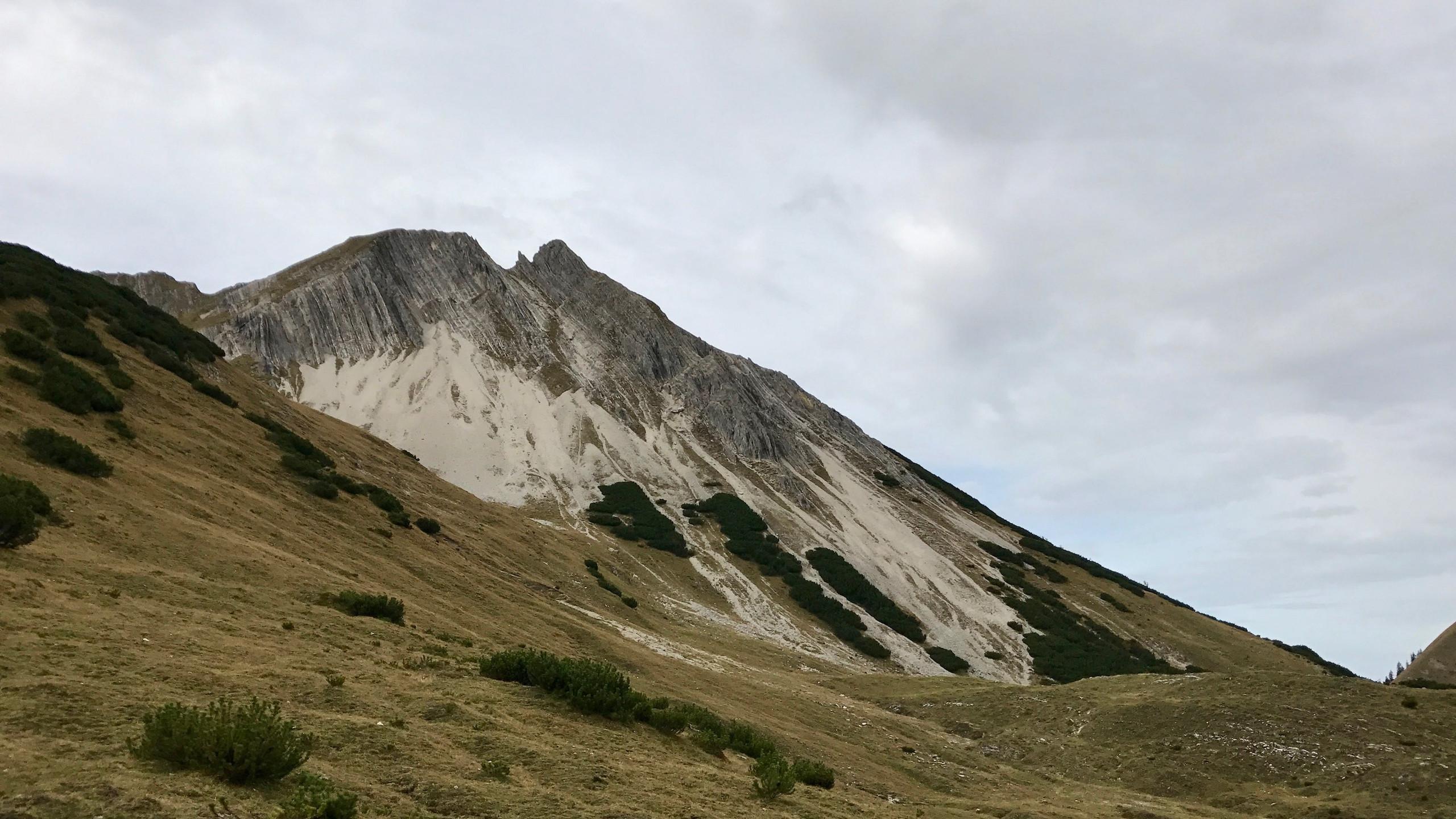 Blick zurueck zur Mondscheinspitze, Bergtour Achensee