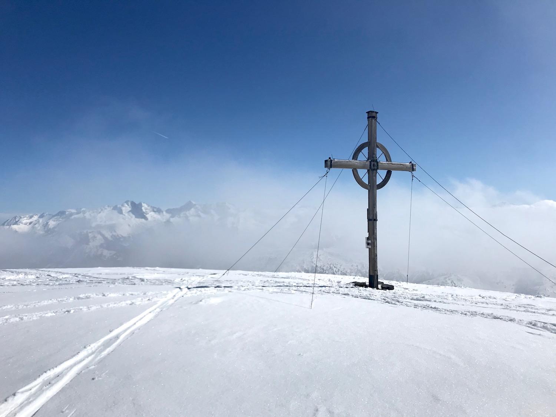 Gipfelkreuz Muttenkopf, Skitour Obernbergtal