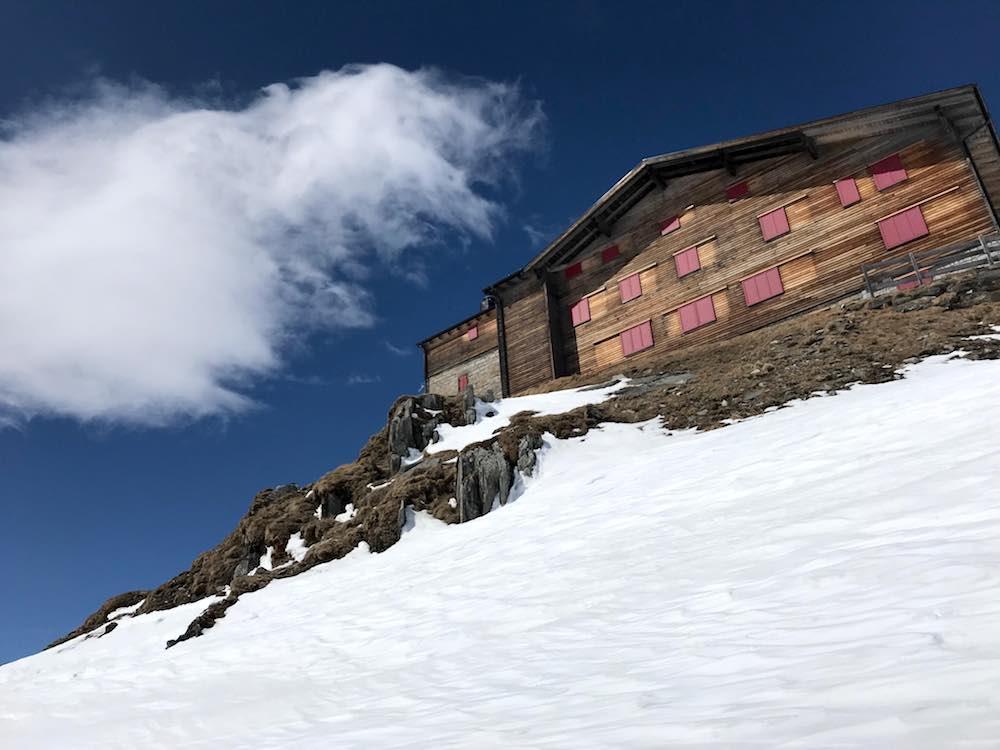 Pfitscherjoch Haus unter blauem Himmel, Pfitschertal