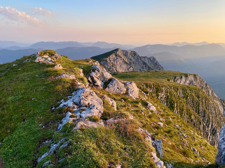 Sonnenaufgang Hochunnütz Gipfelgrat, Achensee Tirol