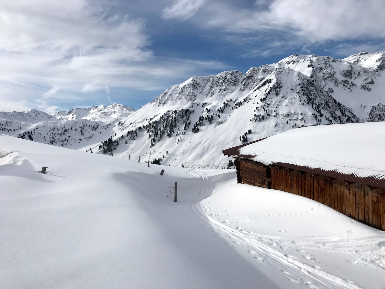 Verschneite Holzhuette, Kleiner Beil Alpbachtal