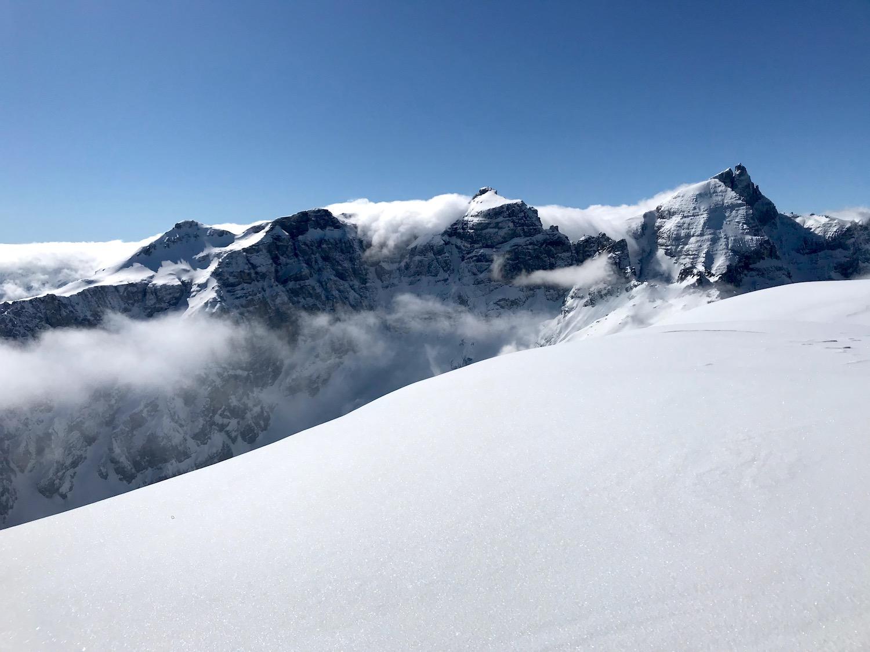 Bergspitzen am Gipfel, Skitour Obernbergtal