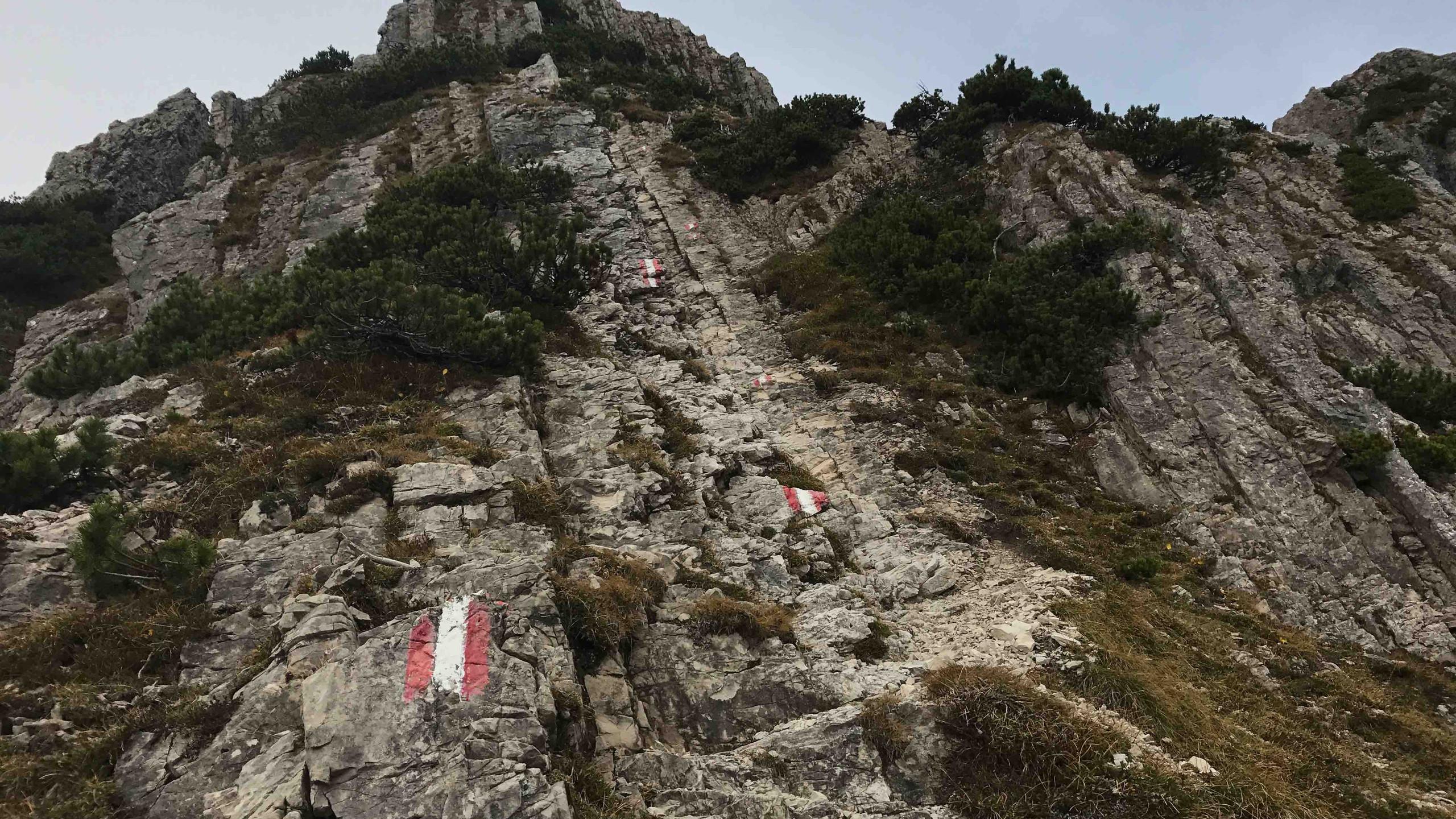 Kleine Kletterei beim Aufstieg, Bergtour Achensee