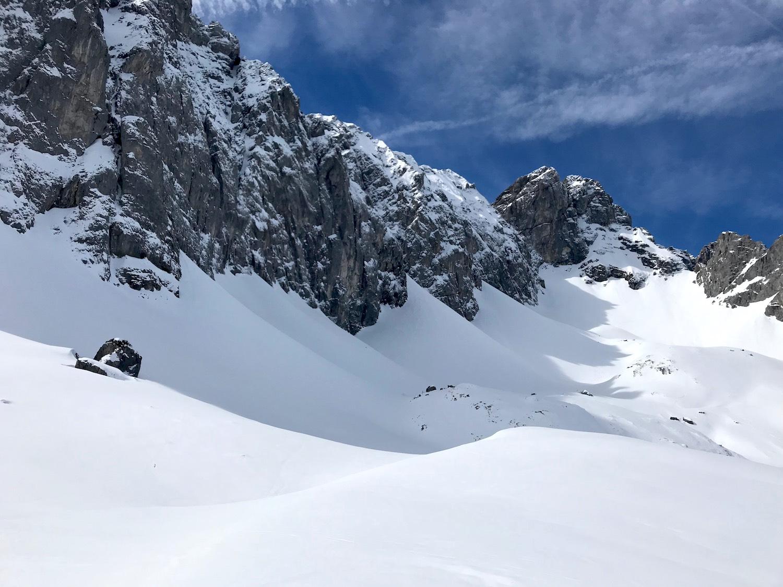 Schneebedeckte Felsen, Gruensteinscharte Biberwier
