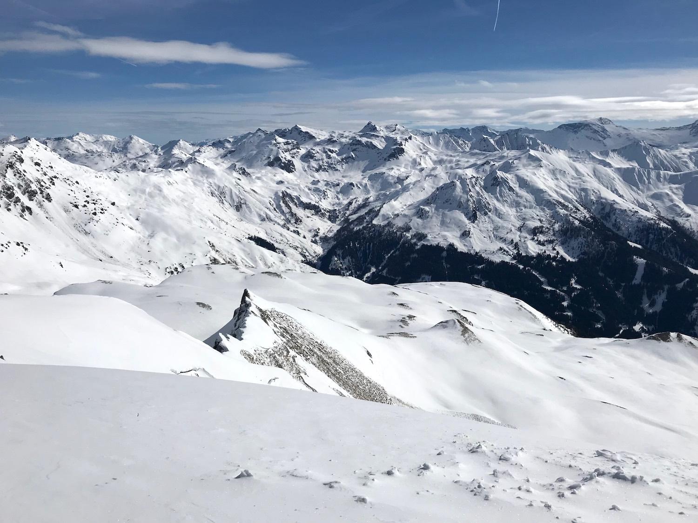 Blick auf Bergspitzen, Skitour Mislkopf