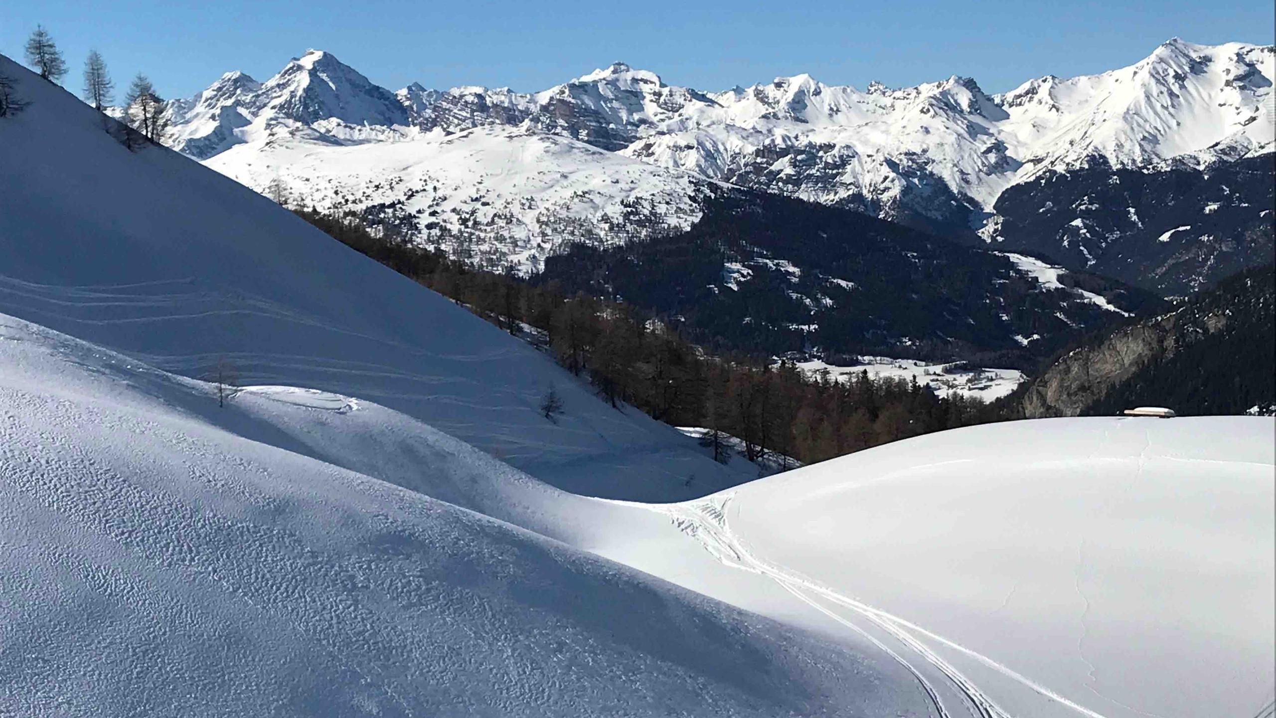 Pulverschnee unter blauem Himmel, Skitour Riepenspitze