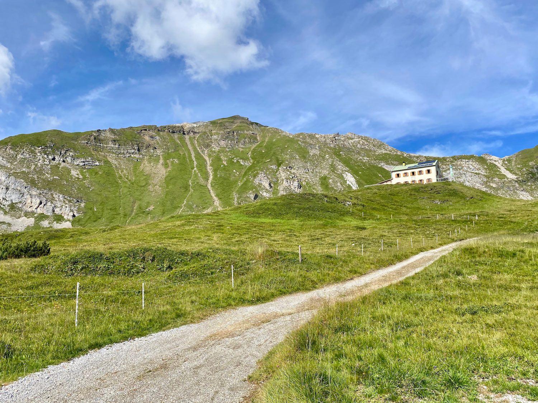 Auffahrt Padasterjochhaus, Bike & Hike Tirol