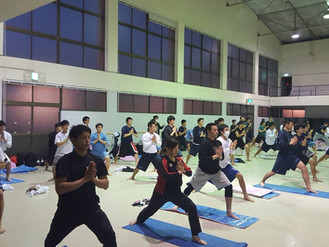 チームトレーニング(power-yoga)