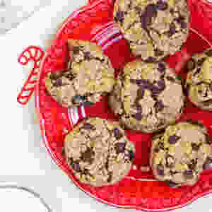 "<img src=""vegan-almond-tahini-chocolate-chip-cookies4.jpg""alt=vegan-almond-tahini-chocolate-chip-cookies4"">"