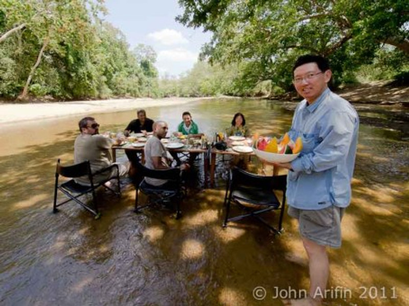 Breakfast in the river Kulu Safaris