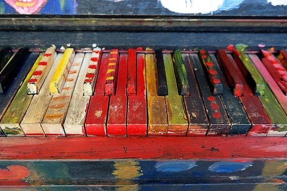 piano - tasti colorati - tasti verniciati