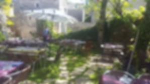 Terrase restaurant la couvertoirade, 100% fait maison