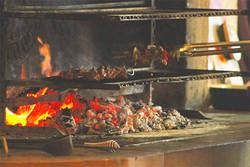 grillade-feu-de-bois-restaurant-couvertoirade