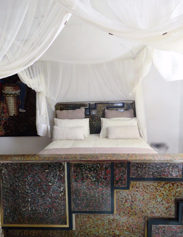 Decorative bed 1