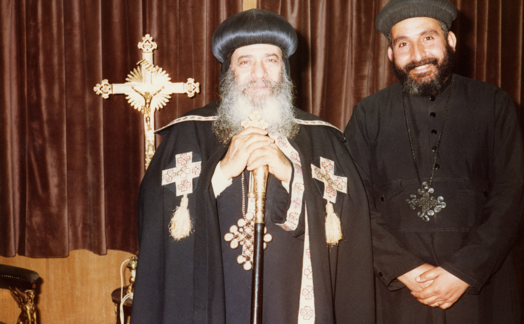 Fr Victor Rophael - with pope shenouda.j