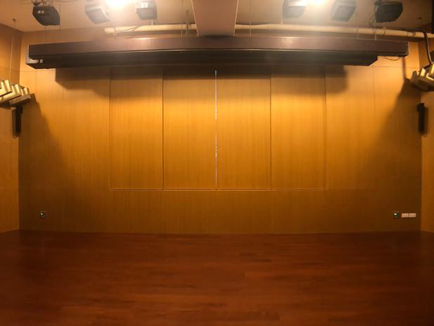 超窄邊框電視牆影像系統、數位音響系統、E化講桌及環控系統整合