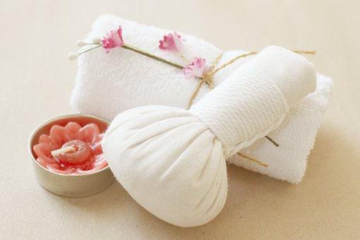 "Massage aux pochons chauds ""Navarakiri """