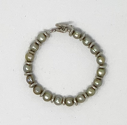 "Rachel Dragon   Pearl Bracelet, Triangle Toggle   6.25"""