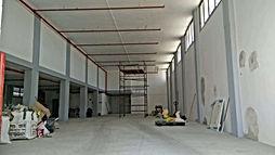 מבנה תעשייה להשכרה במערב ראשון - מבנה עצמאי למסחר, תעשייה, או משרדים