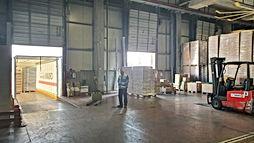 """להשכרה ביבנה , מבנה תעשייה של  1600 מ""""ר  עם 200 מ""""ר משרדים צמודים."""