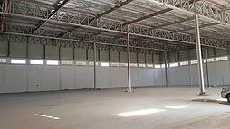 מבנה תעשייה באזור תעשייה של ברקן ליד אריאל תקרה בגובה 10 מטר