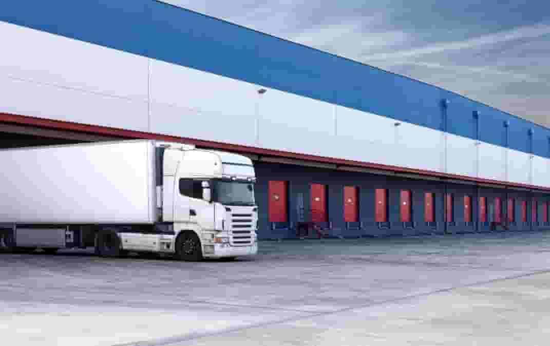 מבנה תעשייה חדש מהניילון - לאחסנה לוגיסטיקה או לאחסנה להשכרה באזור השרון  גבוהה 10 מטר