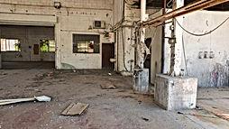 """להשכרה באזור התעשייה של אשדוד בשטח של 340 מ""""ר מבנה תעשייה ועוד כ ו200 מר חצר תפעולית ."""
