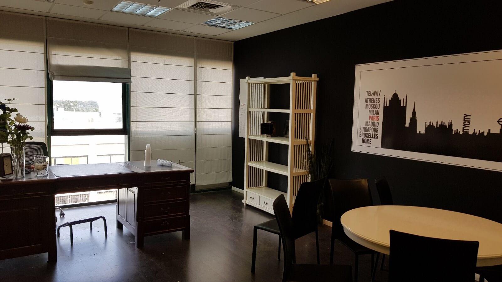 """משרדים בגודל 300 מ""""ר עם עיצוב מפנק , להשכרה בראשון לציון"""