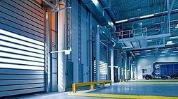 """מבנה תעשייה עצמאי להשכרה באזור התעשייה  ביבנה בנוי על כ 1800 מ""""ר"""