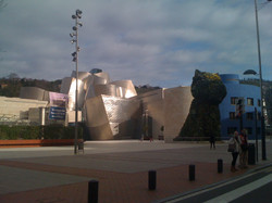 Guggenheim Bilbao the dog