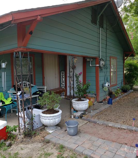 House Front4.jpg