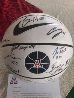Arizona Men's Basketball Signed by the Entire Team (w/COA)