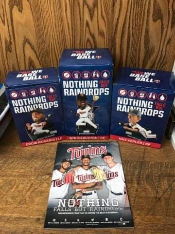 Twins Bobblehead Set