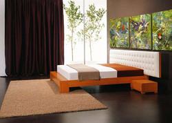 Jadeite in bedroom_web