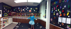 installation canned joy with Liliane