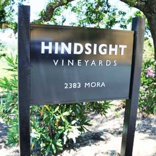 hindsight%20vineyard%20sign_edited.jpg