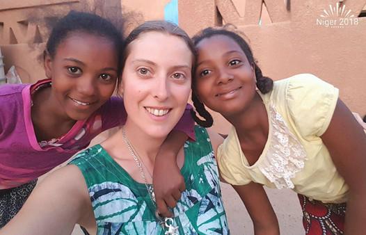 Jade et les filles à Agadez