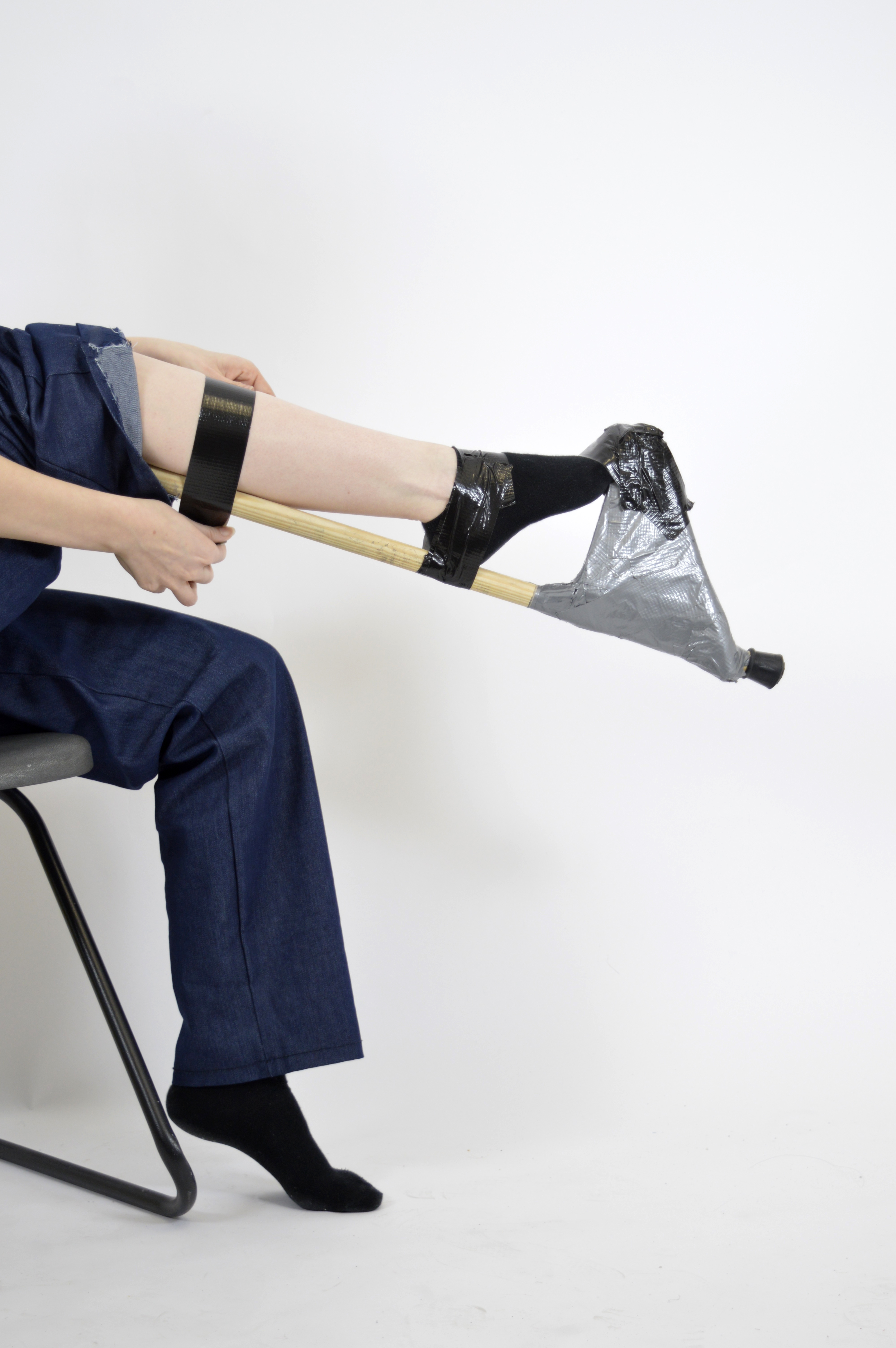 leg out tape crop