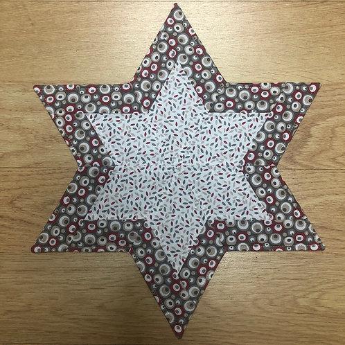 Estrella - mantel pequeño - blanco/rojo/beige/gris