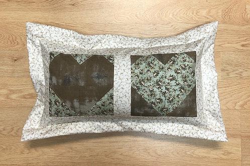 Cojín - dos corazones - flores de primavera