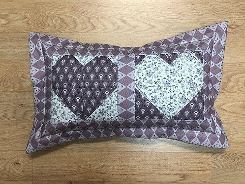 Cojín - dos corazones - blanco/lila