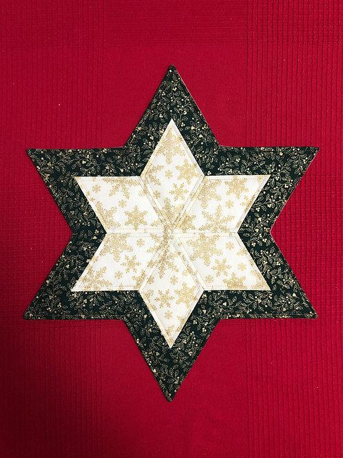 Estrella navideña - hojas de acebo y copos de nieve