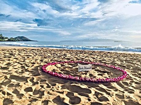 #happilymarried #happilymauid #beachwedd