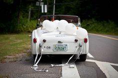 Décorer la voiture des mariés