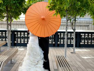 Un mariage jaune-orangé, ça sent bon le soleil !