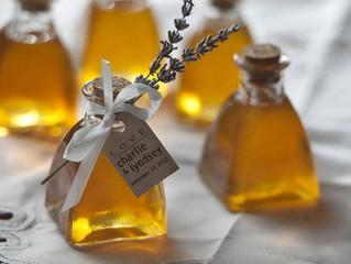 Pourquoi offrir de petits pots de miel à vos invités?