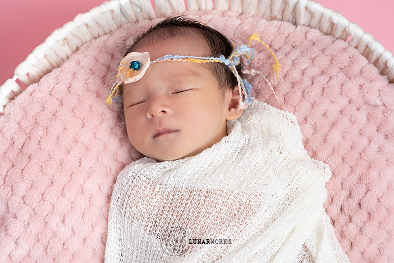 Newborn-Photography-White-Wrap